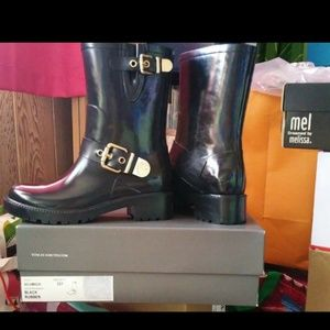 **SOLD**Vince Camuto Hinch Boots, sz 5